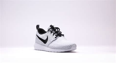 white nike shoes with black swoosh nike roshe flyknit white with black swoosh 44 99