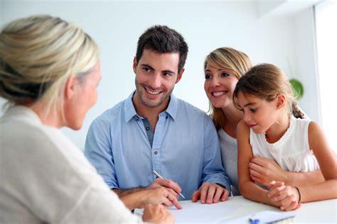 mediolanum family banker qu 233 esperar de un family banker banco mediolanum