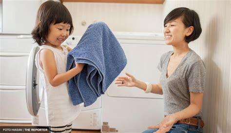 Sofa Buat Anak Kecil ajar anak anak buat kerja rumah mengikut peringkat umur