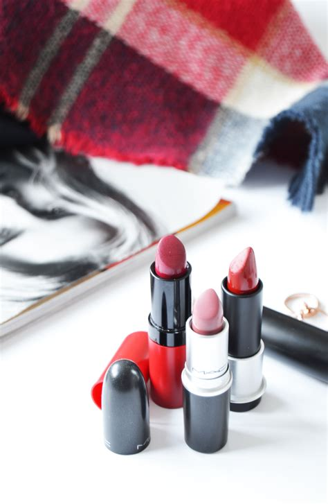 Blot Lipstick Papers by Autumn Bag Essentials You Might Need Ela Bellaworld