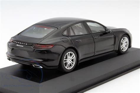 Porsche Panamera Schwarz by Porsche Panamera Schwarz Wap0207030g