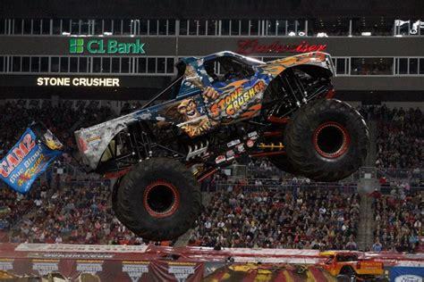 monster truck jam florida ta florida monster jam february 2 2013 stone