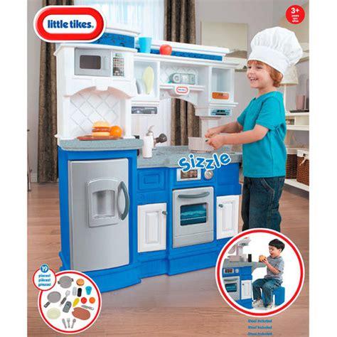 toys r us tikes kitchen kitchen playset at toys r us 28 images disney princess light sound kitchen toys r us