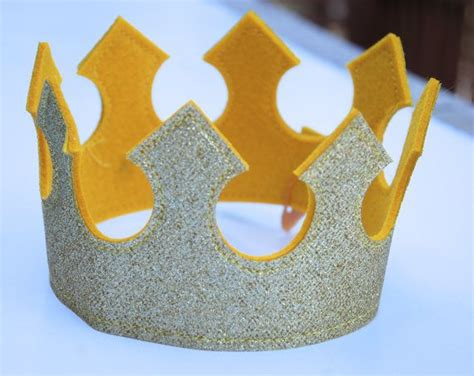 How To Make A Birthday Crown Out Of Paper - 17 best ideas about crown on crown
