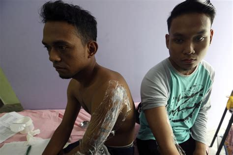 tattoo removal singapore muslim indonesia clinic gives relief to muslims with tattoo