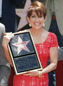 debra haircut on everybody raymond ray romano and patricia heaton are reunited for her