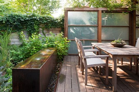 create  backyard oasis   urban garden  star