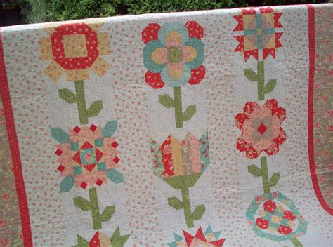 Mystery Quilts by Auntie S Quaint Quilts 2011 Mystery Quilt