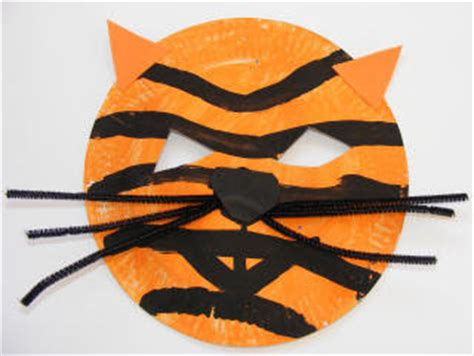 Tiger Paper Plate Craft - rhyme time september 2010