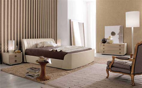 Wallpaper Dinding Kamar Sederhana | motif warna wallpaper dinding kamar tidur terbaru desain