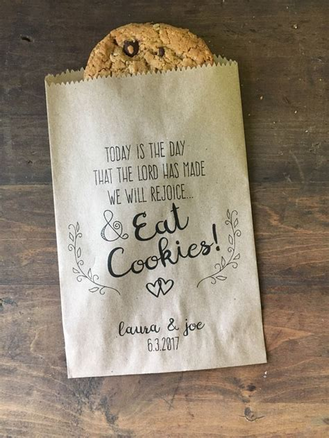 25  best ideas about Cookie wedding favors on Pinterest