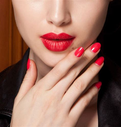 Lip Manicure nails makeup to match or not to match