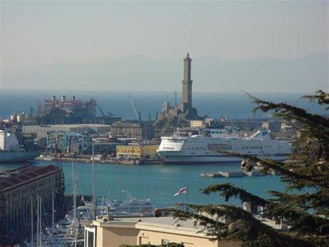 foto porto di genova tragedia porto genova nave si schianta contro torre di