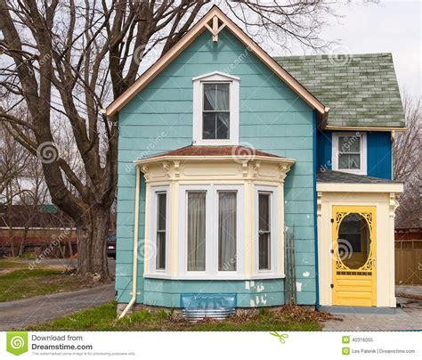 house with bay window blue house with bay window stock photo image 40316055