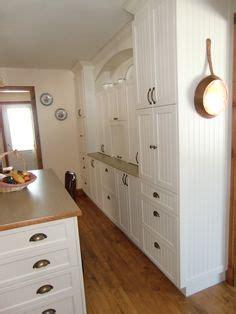 poign馥 d armoire de cuisine 1000 images about armoire on armoire de