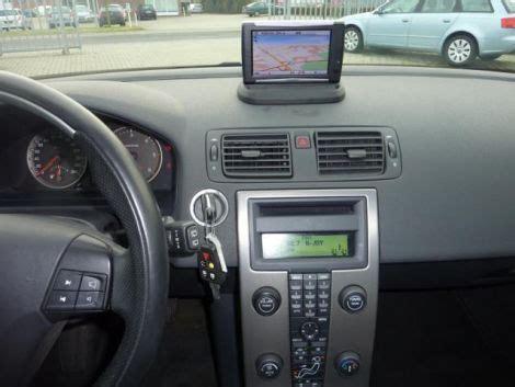how to fix cars 2010 volvo c30 navigation system kennt jemand dieses navi inklusive halterung volvo c30 s40 2 v50 c70 2