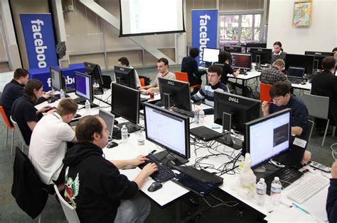 facebook offices facebook headquarters to move to new york s downtown