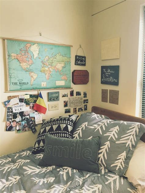 the images collection of decor dorm tours pinterest interior design ideas interior black and travel themed grey and white baylor university dorm room