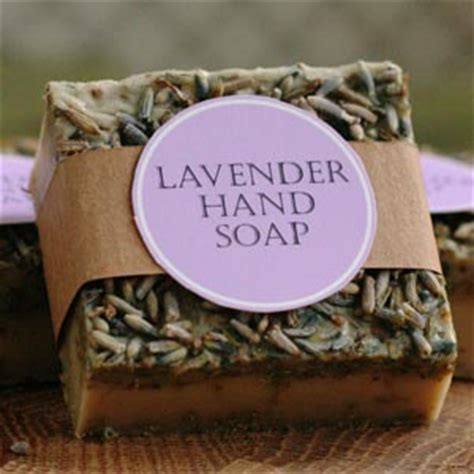 Handmade Lavender Soap Recipe - easy gift ideas make inexpensive