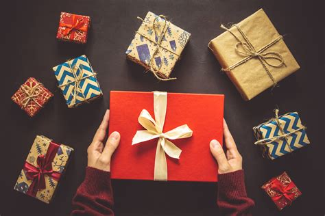 holiday gifts for your senior loved one 24hr homecare