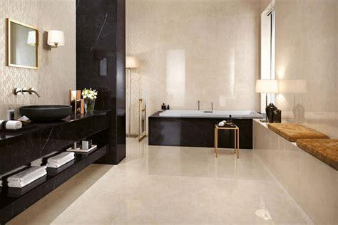 moderne badezimmer fliesen schwarz wandfliesen f 252 rs bad 30 moderne fliesen designs und