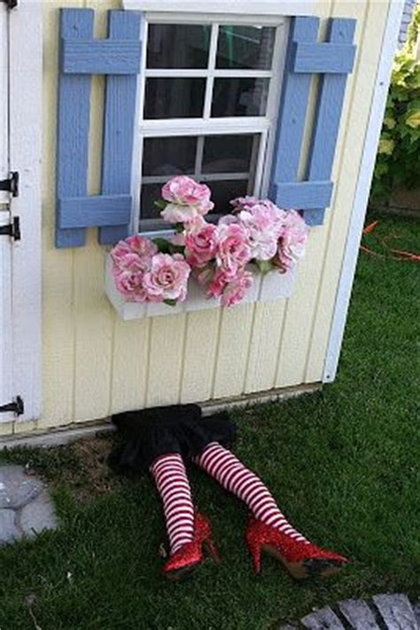 witch under house witch feet under house wizard of oz pinterest the o jays image search and house