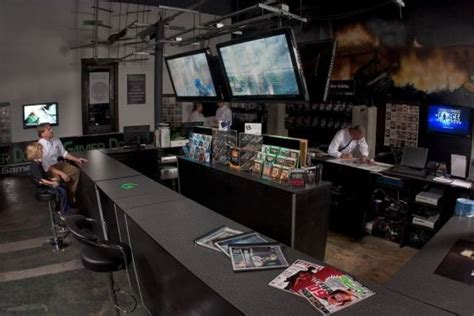 gamestop layout gamer doc pushes first store at franchise expo images