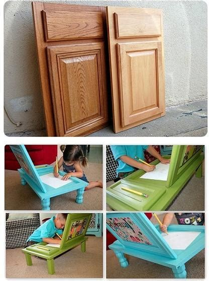 Diy Art Desk For Kids Made From Cupboard Doors Diy Cozy Home Diy Kid Desk