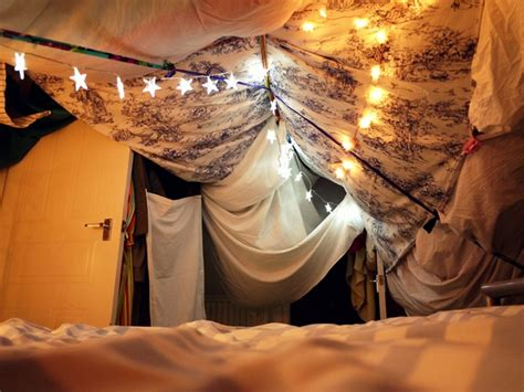 eve wanted  wardrobe   build  blanket fort