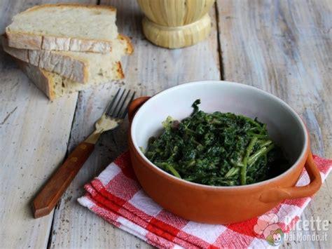 cicoria cucinare cicoria in padella cicoria selvatica ricettedalmondo