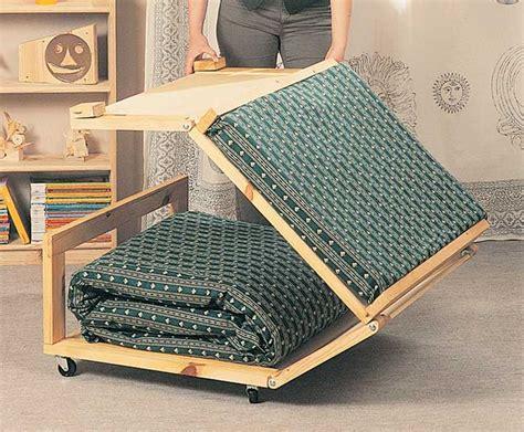 pouf per da letto pouf letto fai da te in legno 13 foto descritte passo passo