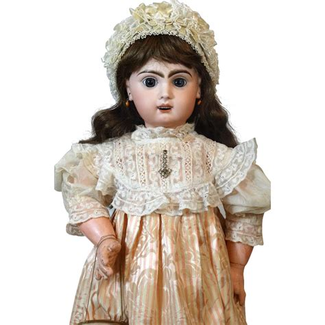jumeau bisque doll antique bisque doll jumeau 11 from tantelinas