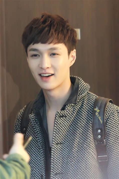 very short haircuts that lay flat to the head lay exo what do you think of his new haircut i love