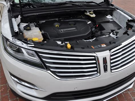 2015 Lincoln Mkc Horsepower by 2015 Lincoln Mkc Breaks From The Brand S Cushy Luxury