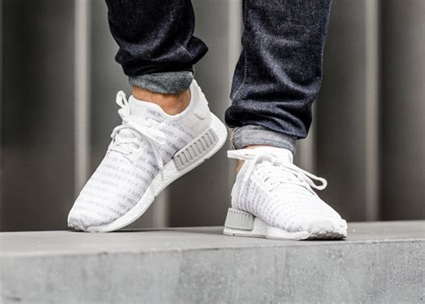 adidas nmd  allover blackout whiteout