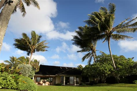 barack obama s hawaiian beachfront vacation getaway