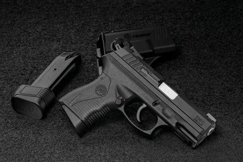 Pistola 380 New Style For 2016 2017 | taurus conhe 231 a a 838 compacta nova pistola da fam 237 lia 800