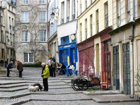 one day film locations paris paris right bank movie location rue des barres in le marais