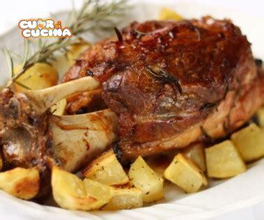 cucina stinco di maiale ricetta stinco di maiale precotto con patate cuor di