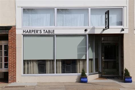 Harpers Table by S Table Graphis