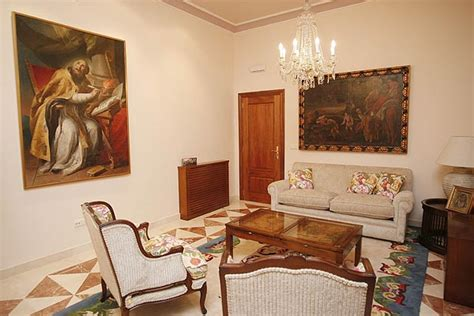 the gallery for gt papal bedroom