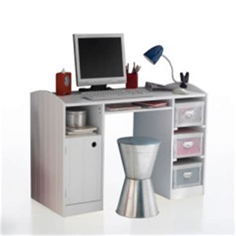 bureau pour ado poste informatique et espace de travail