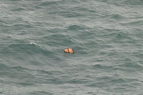 air asia crash 2014 air asia plane crash victims bodies recovered from sea as