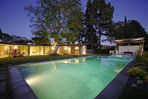 Miley Cyrus House by Miley Cyrus S House In Studio City Ca Popsugar Home