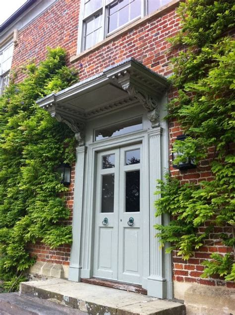 choose  perfect front door colour  red brick