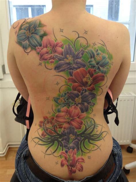 herrfalkenhorst blumen tattoos von tattoo bewertungde