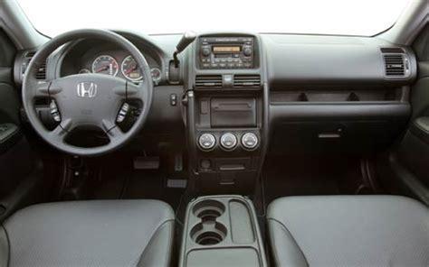 Dashboard Crv 04 05 2005 honda crv review motor trend