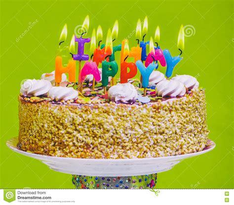 imagenes sarcasticas feliz cumpleaños torta de cumplea 241 os con las velas coloridas del feliz