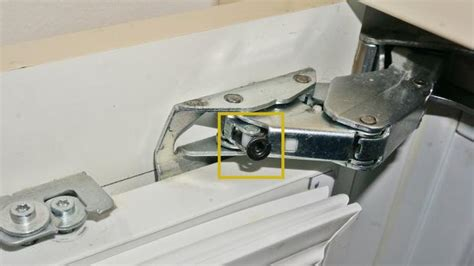 wohnungstür scharniere einstellen gefrierschrank t 252 r reparieren gefrierschrank scharniere