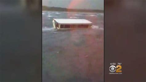 duck boat sinks youtube 17 people killed when duck boat sinks in missouri storm